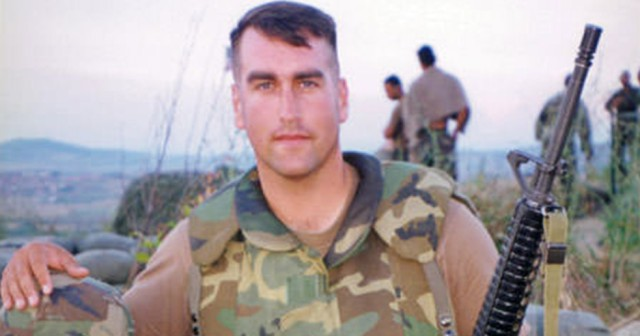 rob riggle doubleddown on his usmc service while clearing
