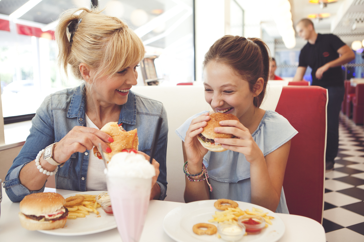 the advantages of eating breakfast Eating bananas regularly may thanks for more insight on the benefit of bananas,there are my favorite ihave mine at breakfast with hot milk or water and.
