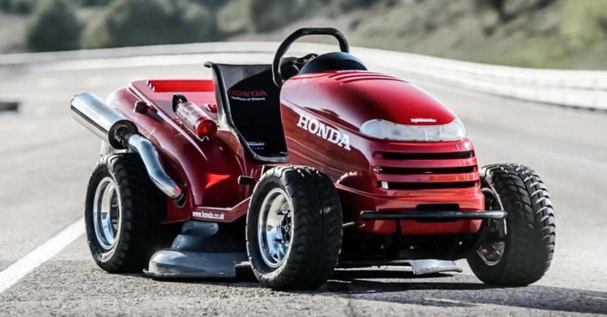 honda 39 s insane 130 mph 39 mean mower 39 is the fastest. Black Bedroom Furniture Sets. Home Design Ideas