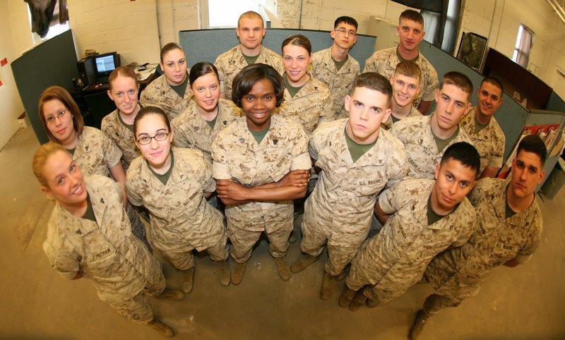 Marine_group_w-_females