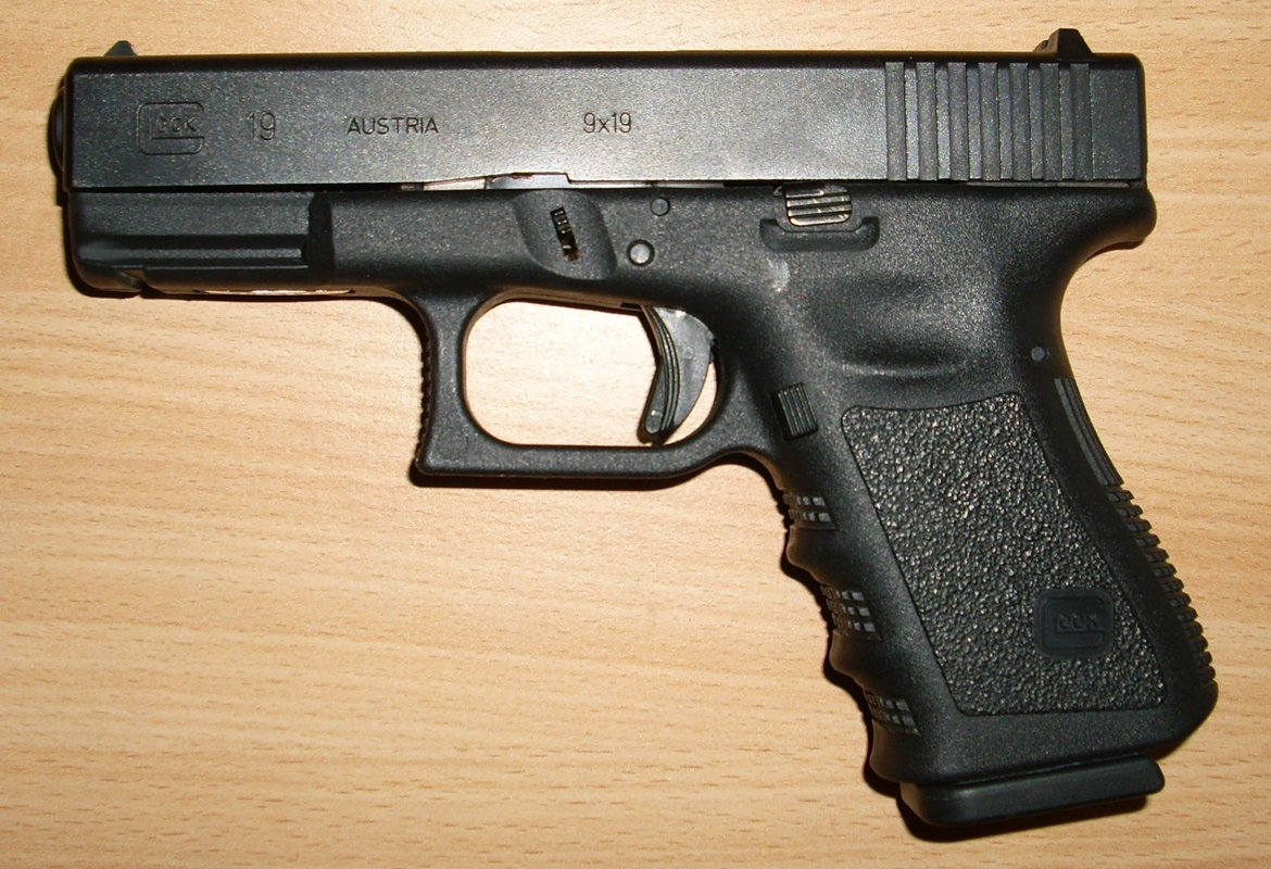 beretta m9 or glock rallypoint