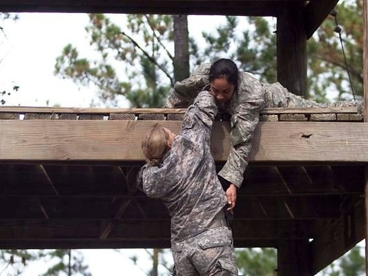 635569107338125785-women-ranger-school-2