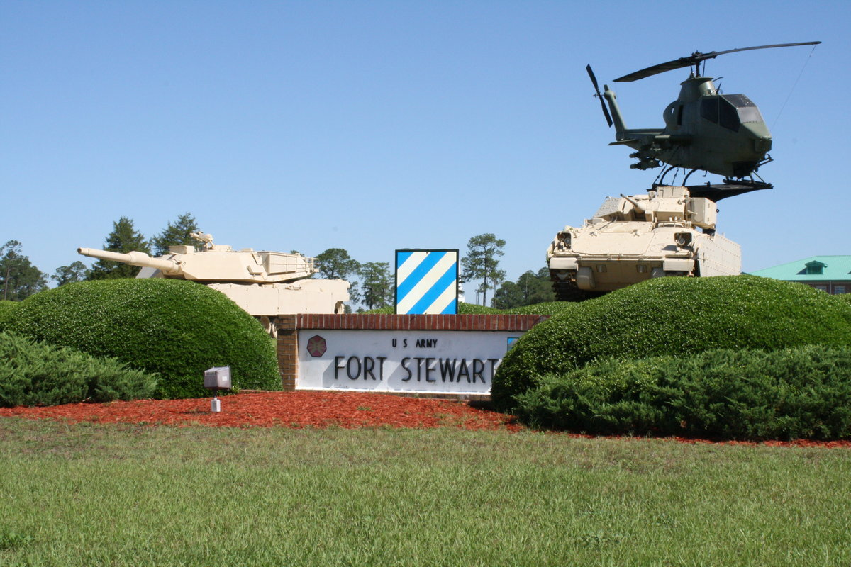 What should i know about fort stewart for my first duty station 3ftstewart3rdinfantrybaseentrancearmyfilephoto publicscrutiny Gallery