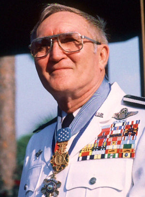 Who Is The Most Highly Decorated Service Member In American