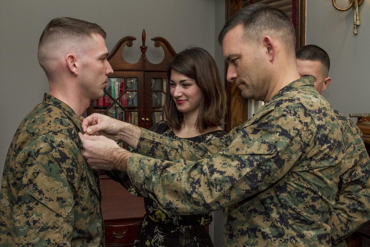 Do Marines have 30 days after promotion to have new chevrons sewn